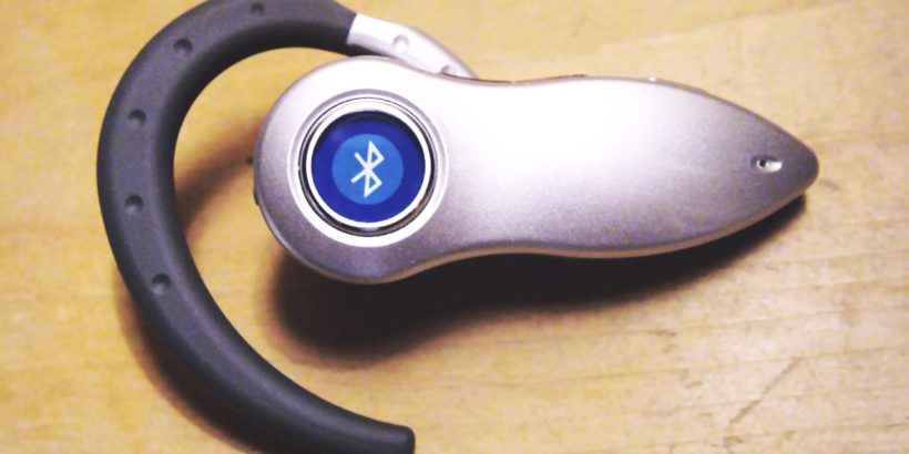 bluetooth_headset-820x410